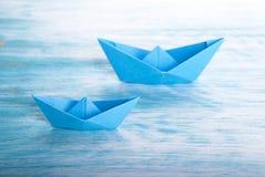 Boote im Meer Stockfoto
