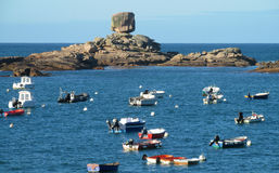 Boote im Meer Stockfotos