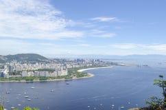 Boote im Meer, in Rio de Janeiro Pan de Azucar-Ansicht Stockfotos