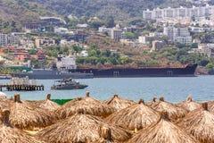 Boote im Meer, sonniger Tag Lizenzfreie Stockbilder