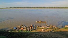 Boote im Mekong-Fluss lizenzfreie stockfotos