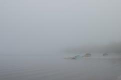 Boote im Nebel Lizenzfreie Stockbilder
