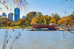 Boote im Park auf a stockbild