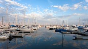 Boote im Ravenna-Jachthafen Stockbild