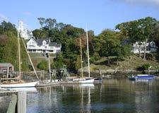 Boote im Rockport Marine Harbor in Maine stockbilder