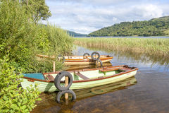 Boote im See Stockfoto