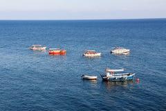 Boote im Wasser Lizenzfreie Stockfotos
