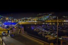 Boote im Wasser in der Nacht Lizenzfreie Stockbilder