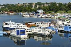 Boote am Jachthafen Lizenzfreie Stockfotografie