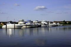 Boote in Jachthafen II Stockbilder