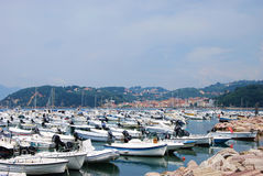 Boote am Jachthafen von Lerici lizenzfreies stockfoto