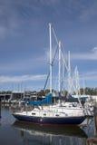 Boote an lakeshore lizenzfreies stockfoto