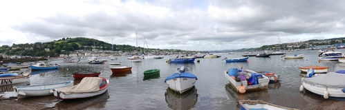 Boote machten auf der Teign-Mündung in Devon England fest Lizenzfreies Stockbild
