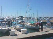 Boote in Meer Lizenzfreie Stockfotos