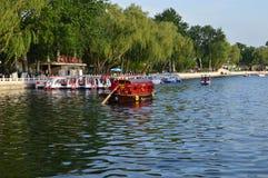Boote in Peking stockfotos