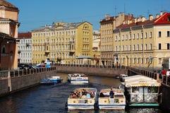 Boote in St Petersburg Stockfotos