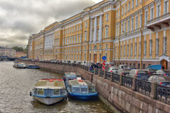 Boote in St Petersburg Stockbilder