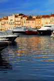 Boote an St.Tropez lizenzfreie stockfotos