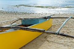 Boote am Ufer während einer Ebbe Lizenzfreie Stockbilder