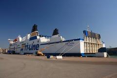 Boote und Fähren stockfotos