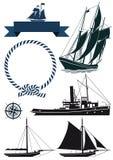 Boote und Marinefahnen Stockbild