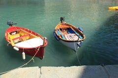 Boote Vernazza-Hafen stockbild