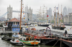 Boote verziert mit Flaggen Lizenzfreies Stockfoto