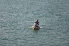 Bootfahrt auf der Mitte des Indischen Ozeans Stockbild