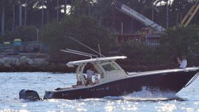 Bootfahrt in Miami stock video
