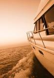 Bootfahrt am Sonnenuntergang Lizenzfreies Stockfoto