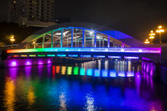 BOOTkade, SINGAPORE 12 OKTOBER, 2015: kleurrijk van Elgin Bridge Royalty-vrije Stock Afbeeldingen