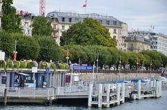 Bootpost bij het Meer van Genève op het gebied van de binnenstad Royalty-vrije Stock Foto