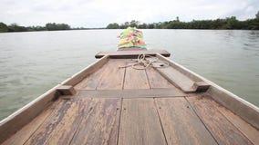 Bootrit toneel op Bangpakong-rivier stock footage