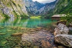 Bootsdock auf Obersee alpinem See, Berchtesgaden, Bayern, Deutschland, Europa Stockfotos