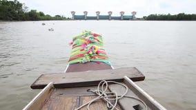 Bootsfahrt szenisch auf Bangpakong-Fluss stock video footage