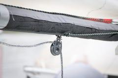 Bootsflaschenzug und -seil Stockfoto