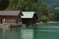 Bootshäuser, Bank von Wolfgangsee, Österreich Stockbild