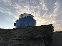 Bootshaus und -Küste setzen Landschaft in Chile auf den Strand Lizenzfreies Stockbild