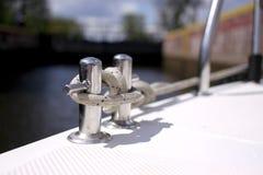 Bootslinie auf Bügelen Stockfotos