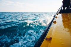 Bootsreise auf dem Meer Lizenzfreie Stockfotos