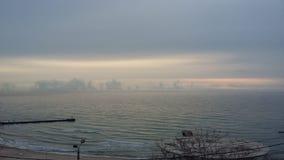 Bootsreisen, die Gesundheit holen, Frischluft auf dem Ufer, stockfotografie
