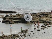 Bootsunfall auf den Felsen Lizenzfreies Stockfoto