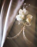 Boquet de décorations de mariage avec des anneaux d'oiseaux Image libre de droits