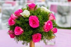Boquet de rose de blanc et de rose Photographie stock