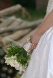 Boquet della holding della sposa Immagine Stock Libera da Diritti