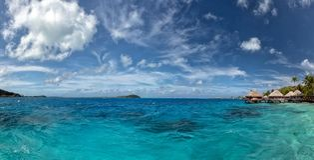 Bora bora法属波利尼西亚在蓝色盐水湖的豪华旅游胜地overwater 库存图片