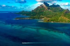 Bora bora法属波利尼西亚空中飞机视图 库存照片