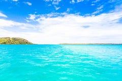 Bora Bora Island, Polinesia francesa Un paraíso verdadero con agua de la turquesa Destino buscado por los pares en luna de miel fotografía de archivo