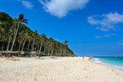 Boracay, Filipinas - 14 de março de 2016: Puka Beach, parte nortenha de ilha de Boracay imagem de stock