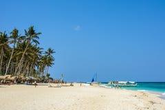 Boracay Filipiny, Marzec, - 14, 2016: Puka Wyrzucać na brzeg północna część Boracay wyspa Obrazy Royalty Free